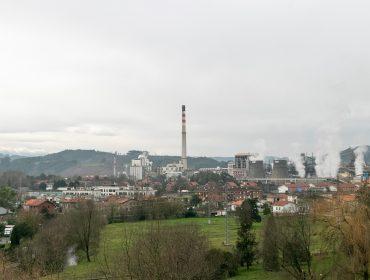 Zona de viviendas de Rinconeda situada en las proximidades de la fábrica de Solvay