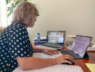 La alcadesa de Polanco, Rosa Díaz Fernández, durante una reunión telemática de trabajo