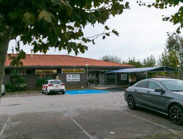 Edificio actual del centro de salud de Polanco, que la Consejería de Sanidad prevé ampliar para atender la demanda