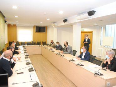 Reunión de alcaldes en Torrelavega ara tratar sobre el fututo del Torrebus