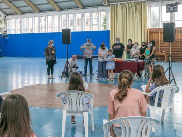 La alcaldesa y concejales de Polanco en la entrega de premios del concurso escolar de redacción de 2020